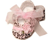Baby Emma Girl Shoes in Pink Damask. Infant sizes, Handmade by Pink2Blue