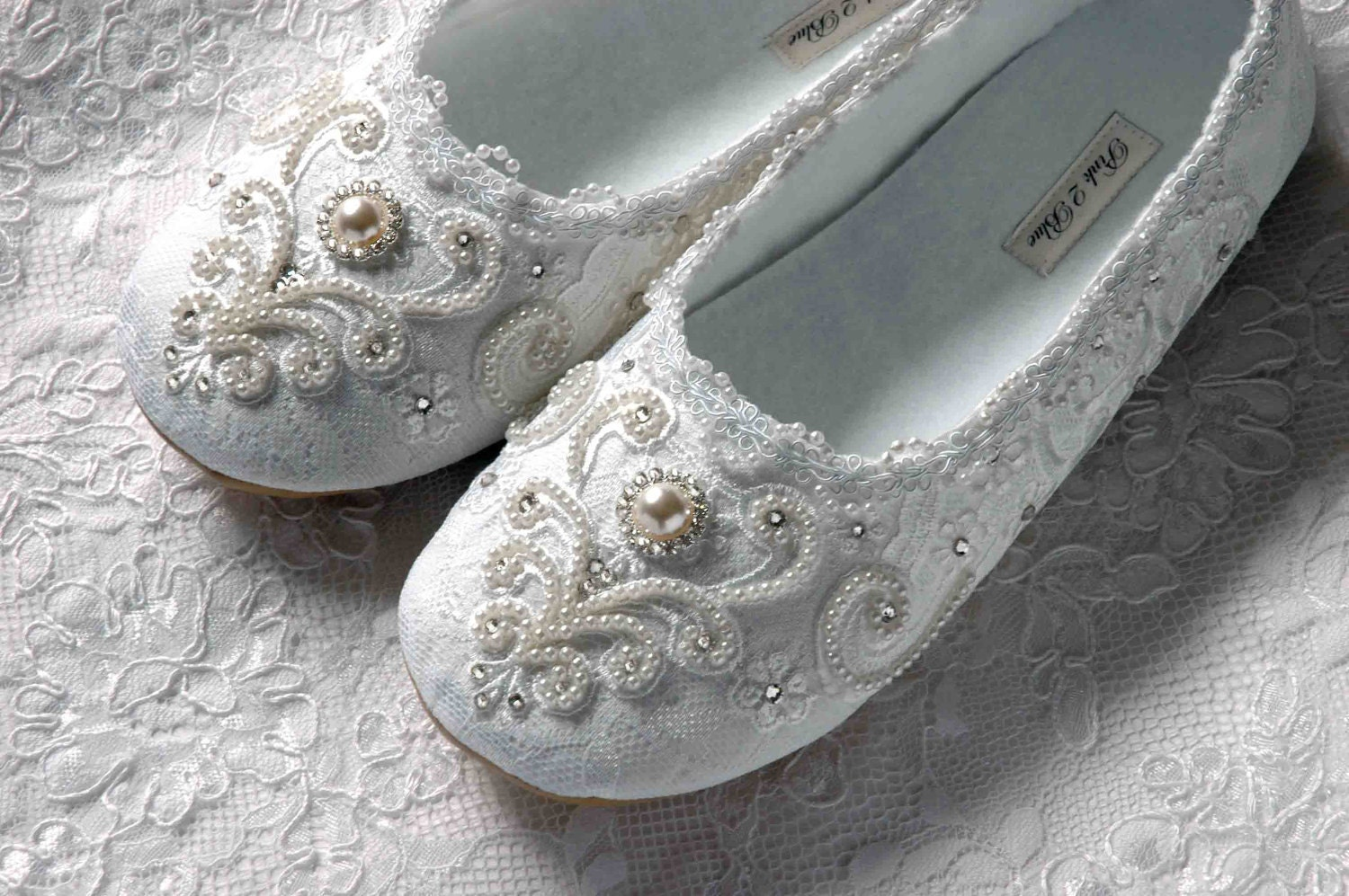 wedding shoes bridal ballet flat vintage lace