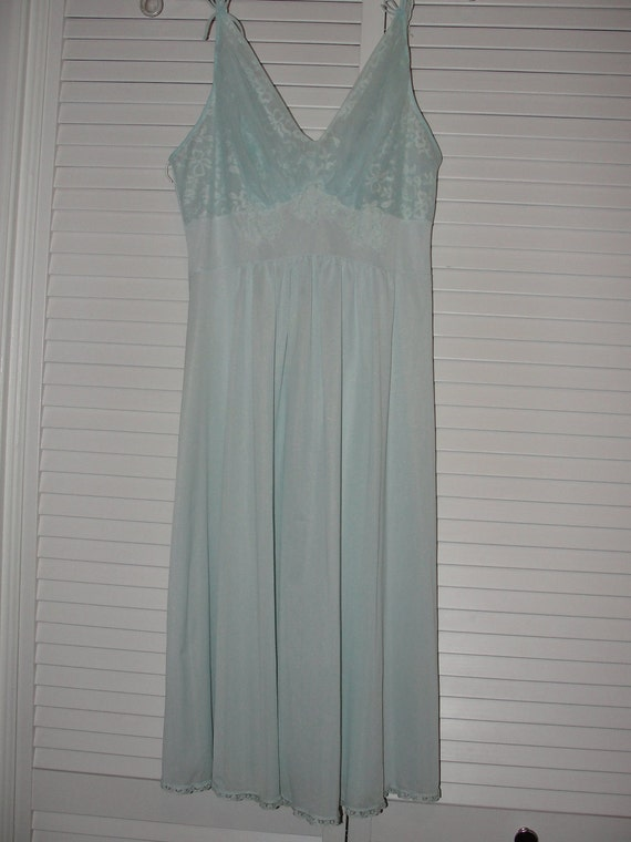 Beautiful Vintage Van Roalte Powder Blue Lace and Nylon Nightgown.  Size 36