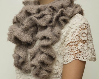 CROCHET PATTERN instant download - Stormy Chocolate Scarf - ruffled beige neck warmer tutorial PDF