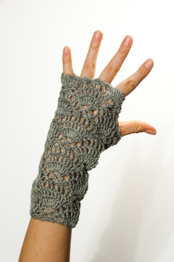Hand Crochet Patterns : CROCHET PATTERN instant download - Flower for the Wind Chaser Gloves ...