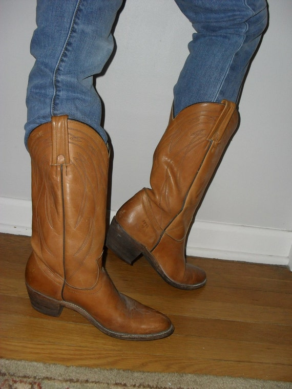 Reduced ---Got To Love The FRYE--------Amazing CAMEL Colored Leather ----Size 10
