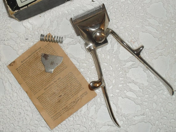 Very Cool Vintage SOLINGEN  Hair Clippers--- Made in Germany---HAARSCHNEIDEMASCHINE