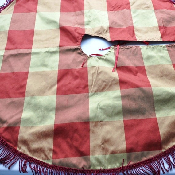 "Christmas Tree Skirt - 36"" Red and Gold Silk Check"