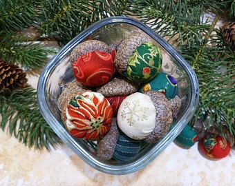 Christmas Acorns Bowl Filler - Set of 10 in Holiday Colors