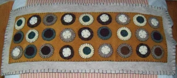 Antique Style Wool Penny Rug Felted Table Runner