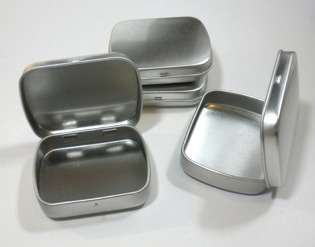 Small metal tins with hinged top and rounded corners use for for Small tin containers