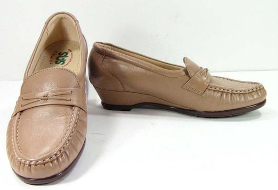 items similar to sas shoes womens 6 m b khaki wedge