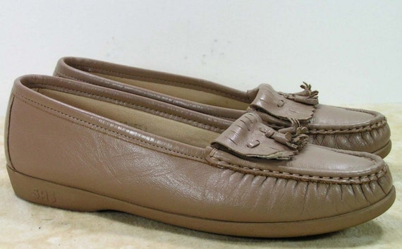 sas shoes womens 8 W khaki tan granny grannie loafers flats pixie grunge