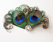 Charming - Peacock feather hair clip / Feather fascinator / Bridal Headpiece