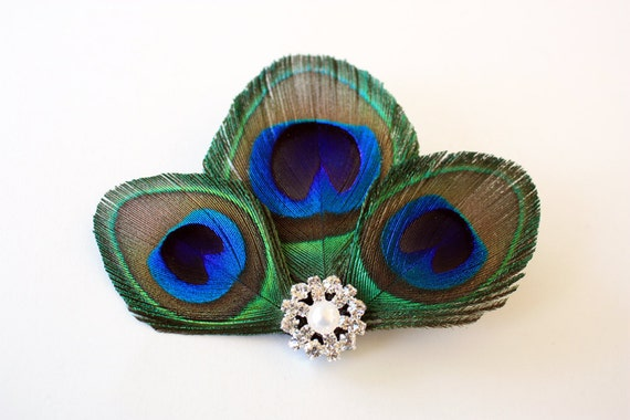 Sneaky - Peacock feather hair clip / Peacock fascinator / Bridal headpiece