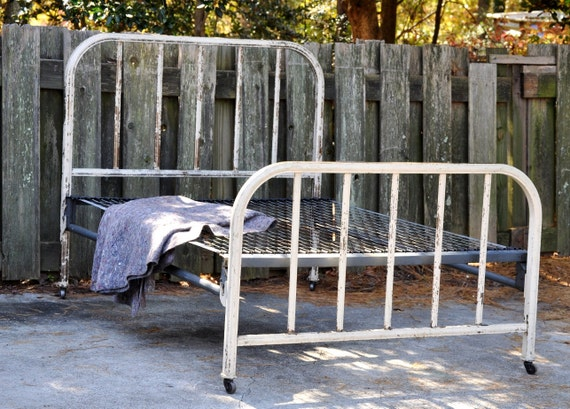 Chippy Full Bed Frame Shabby Chic Chippy Paint Metal Bed