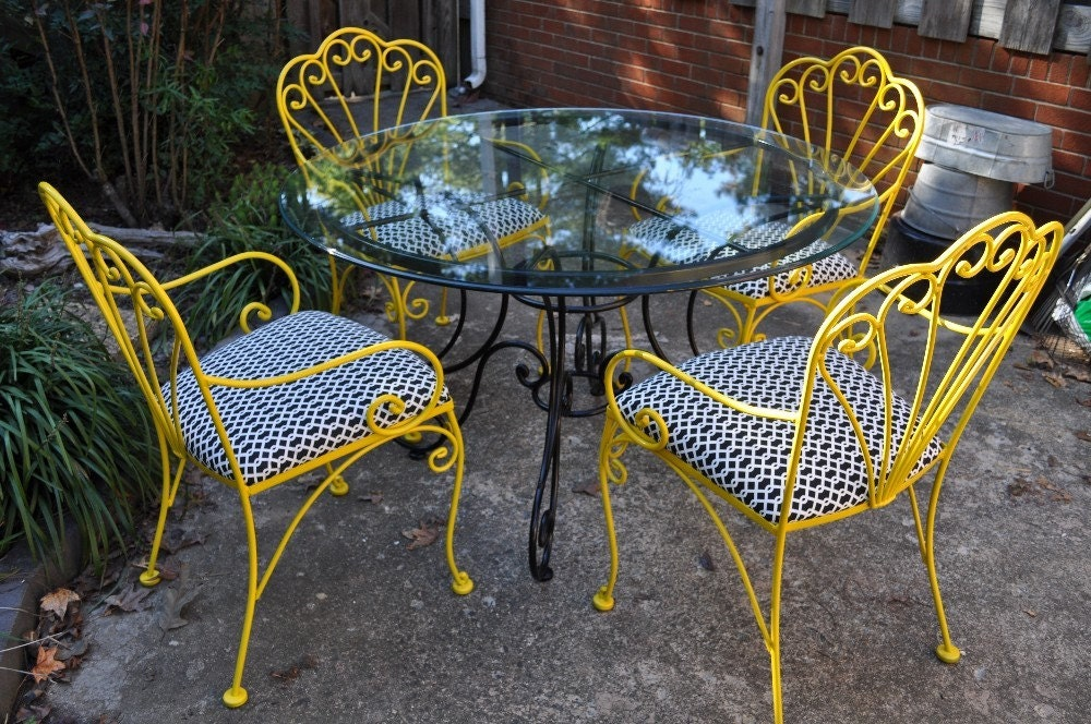 Vintage wrought iron table and chairs set - Vintage wrought iron chairs ...