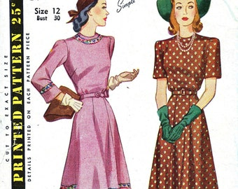 1950s Bust 30 Misses Dress with Short or Three quarter sleeves c 1952 50s Simplicity 3977