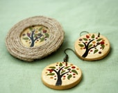 Hand-painted set of earrings and brooch