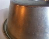 Angelair Junior Vinatage Aluminum Bundt Pan - Cake, Jello, Ice Cream