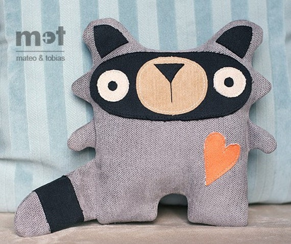 Sammy Raccoon - Woodland Critter Plush Toy
