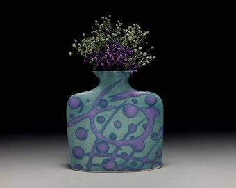 Small porcelain slab flower vase = item #01-V13