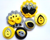 Button Retro Yellow Flowers  handmade polymer clay buttons ( 6 )