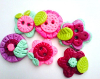 Button  Mix of Flowers polymer clay buttons  ( 6 )