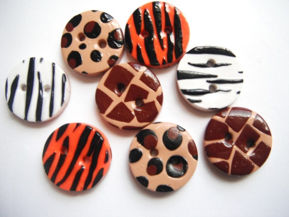 Button Wild Things polymer clay buttons ( 8 )