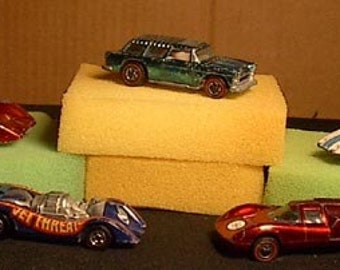 FIVE old Hotwheels Hot Wheels Red Lines NOMAD,Lola - 8