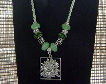 Silk Green Glass Big Hole Charm Beaded Flower Pendant Necklace