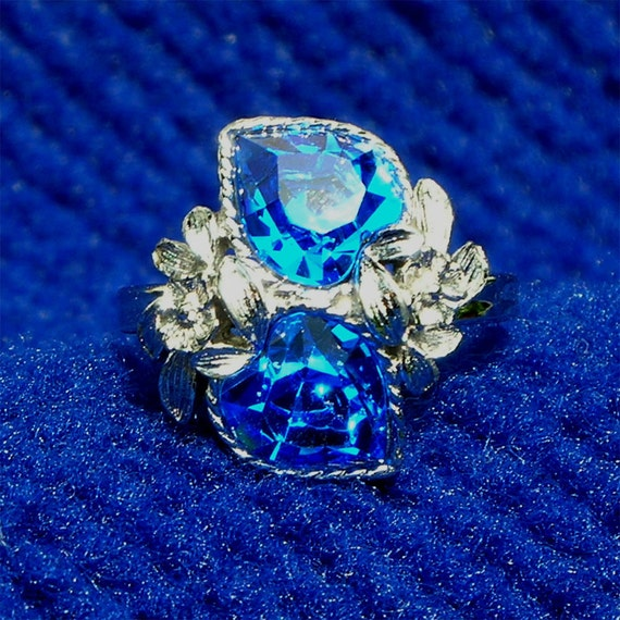 Sara Coventry Ring Blue Hearts adjustable size vintage