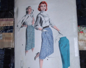 1950s Butterick Tailored Skirt Pattern 7720 Waist 26 Inch Hip 35 Inch