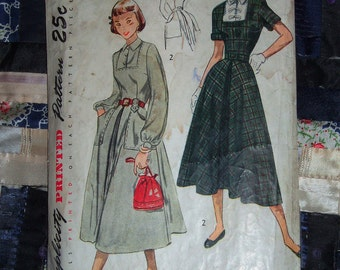 1949  Vintage Teen Dress Simplicity Pattern 2973 Size 12, Bust 30
