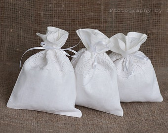 White Gift bags - Linen wedding favor bags set 20 - Rustic wedding favor gift bags - Linen lace drawstring gift bags - Favor linen gift bags