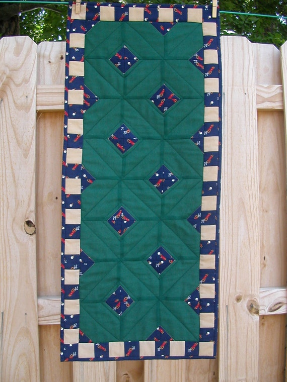 Quilted GOLF GREENS TABLERUNNER in Emerald Green, Navy Blue and Tan