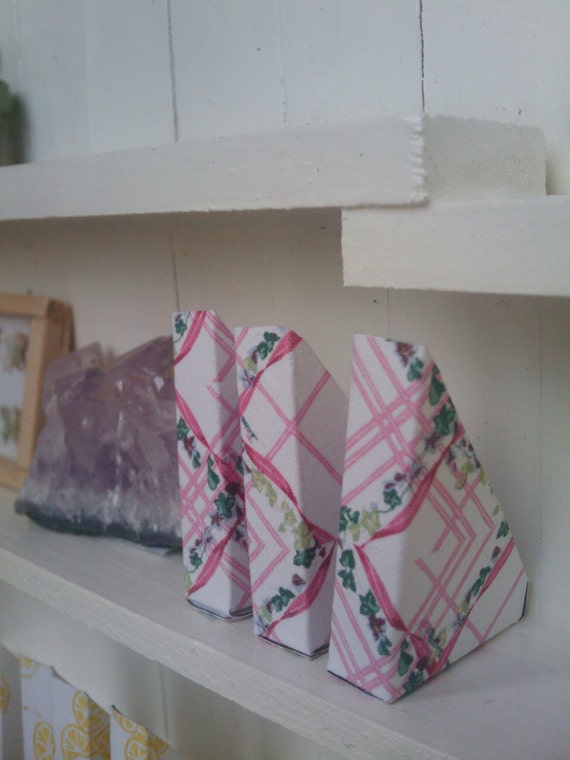 Pink Trellis Pattern Magazine Holders- Set Of Three - Dollhouse Size