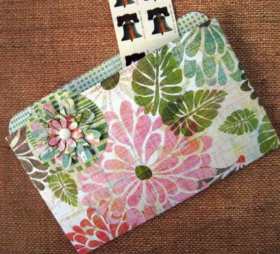 Refrigerator Folder Magnet and Coupon Organizer in Spring Flowers