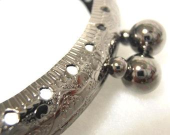 3 gunmetal frames 8.5cm (3 3/8 inch) mushroom-bead