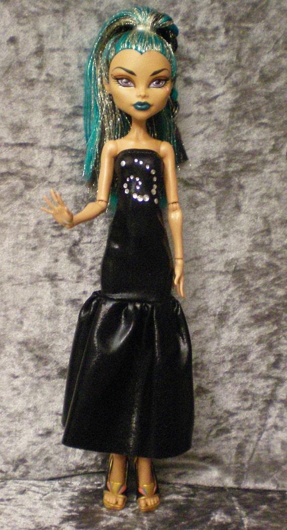 Metallic black gown for monster high Nefera doll