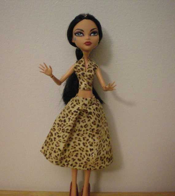 Halter top and skirt for monster high dolls