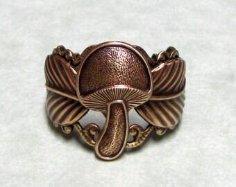 Forest Mushroom Leaf Ring