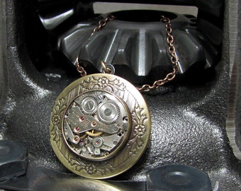 Gears of the Locket Steampunk Pendant ( SL1 )