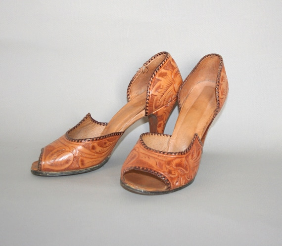1940s Mexican TOOLED Heels / WWII Era Brown Pumps, 7