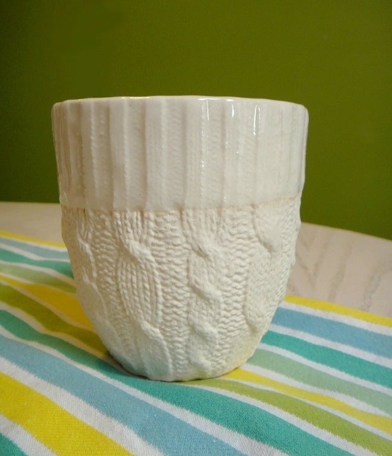 Cable knit ceramic cup - Ivory Glazed edge