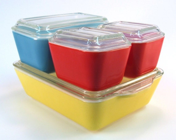 Primary Color Pyrex Refrigerator Vintage Set with Lids