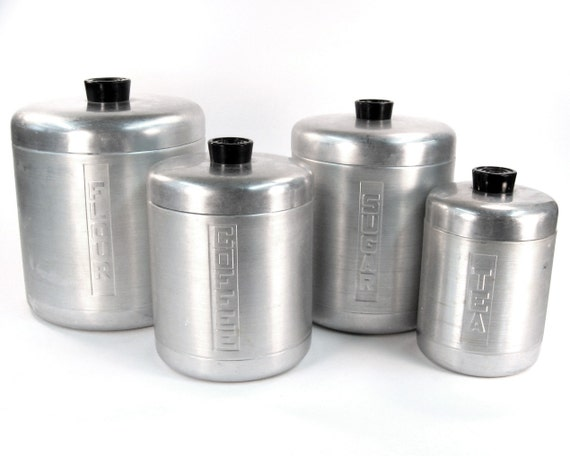 Vintage kitchen canister set aluminum 1940 kitchen decor for Kitchen set aluminium royal