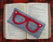 Bookworm Glasses Case - Poindexter