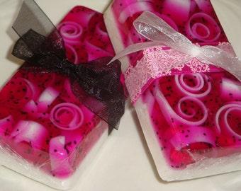 Blackraspberry-Vanilla glycerin soap
