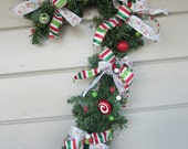 Christmas Wreath, Candy Cane Decoration, Outdoor Christmas Decoration, Door Hanging, candy cane wreath, outdoor wreath