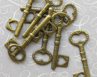 8 Key Charms Antique Bronze Tone - BC037