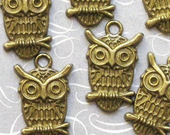 10 Owl Charms Antique Bronze Tone - BC055