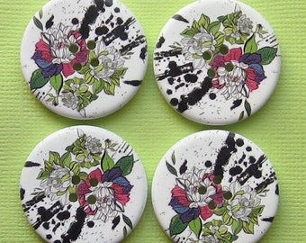 6 Large Wood Buttons Floral Designs 30mm BUT136