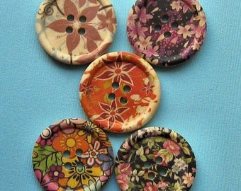 6 Large Wood Buttons Assorted Floral Designs 30mm BUT170